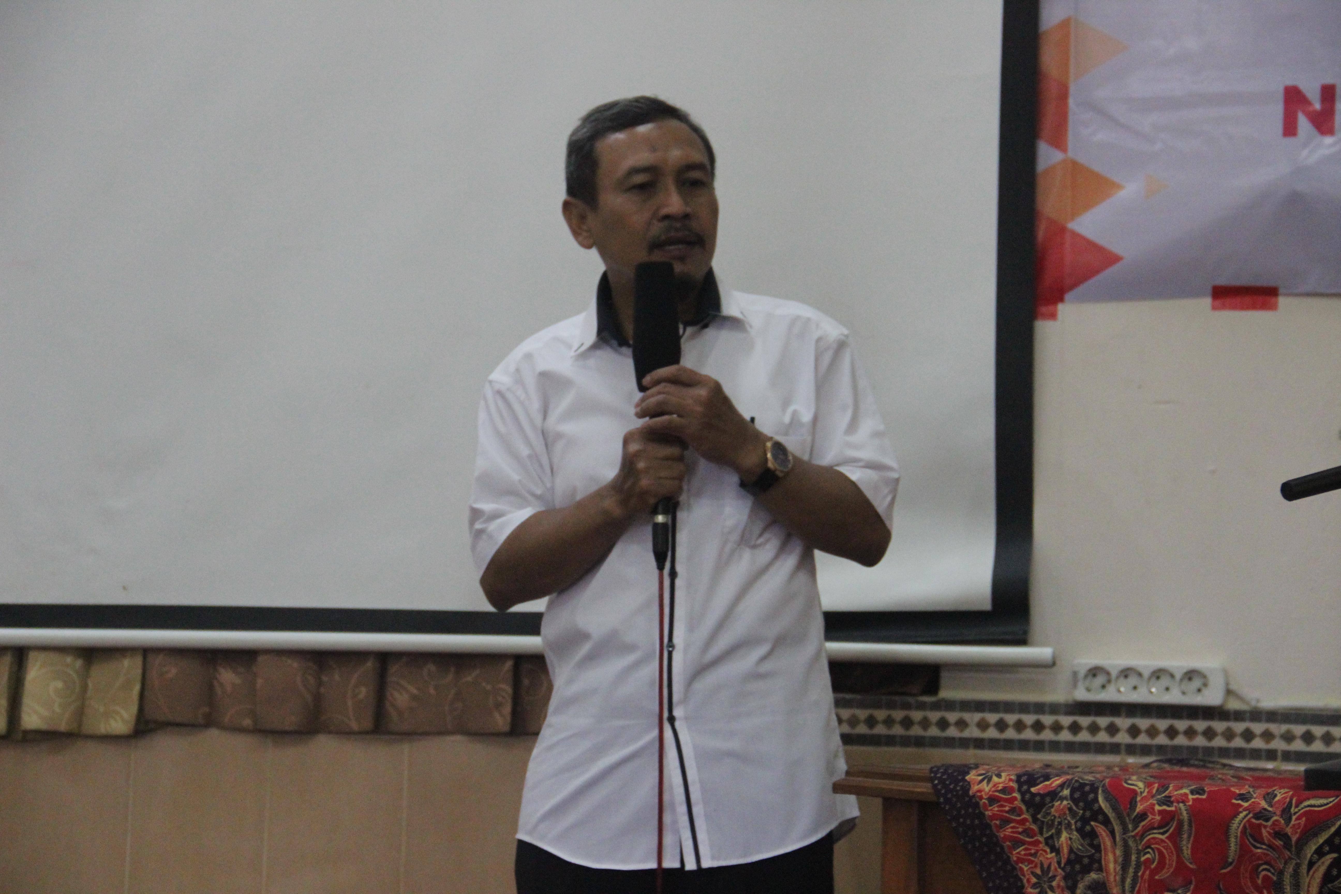 Workshop Gerakan Literasi Sekolah dan Jurnalistik Siswa SMP Budi Utomo Perak - H.Fitriyanto,S.pd.M.Si