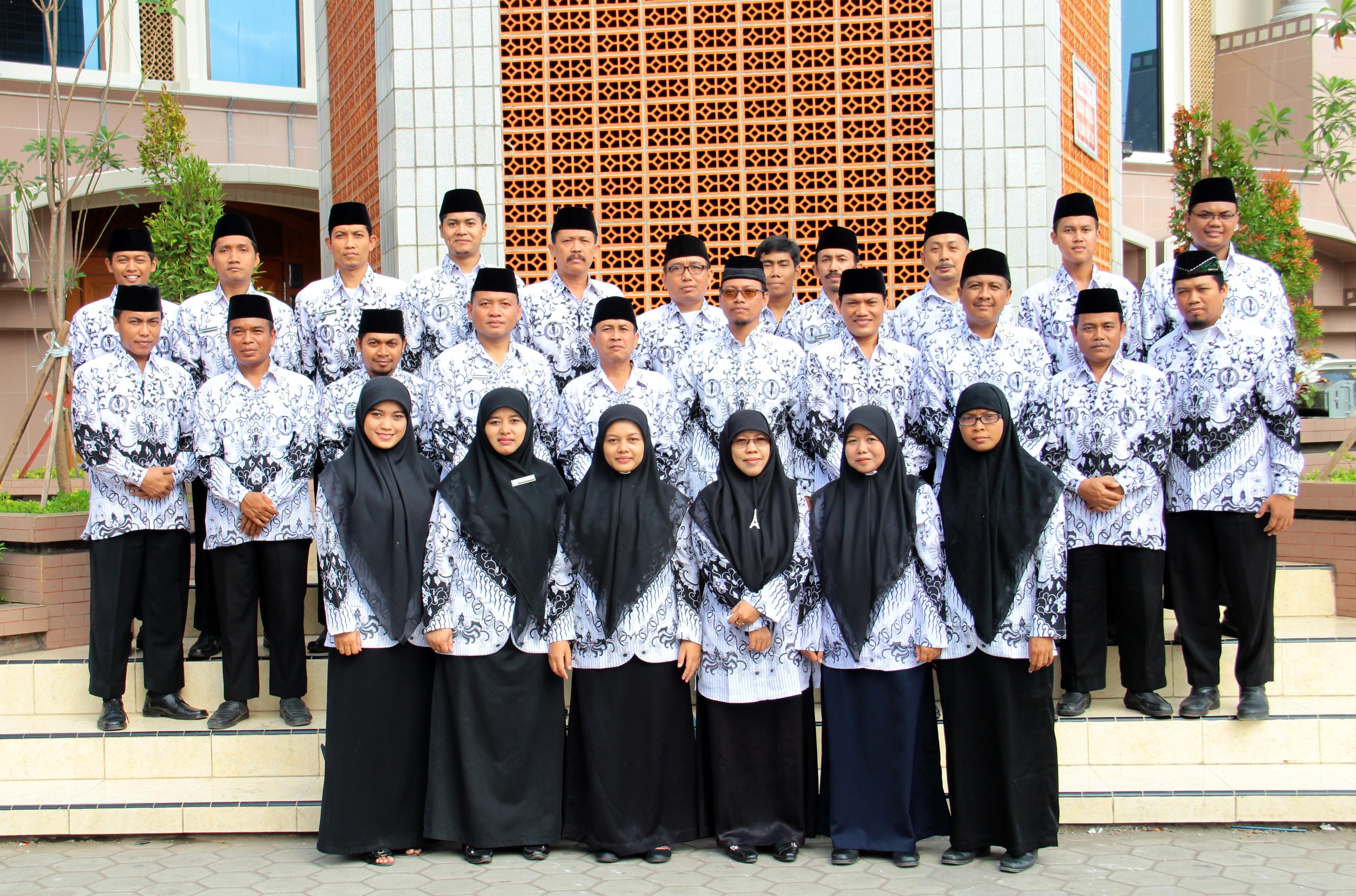 Dewan Guru SMP Budi Utomo Perak